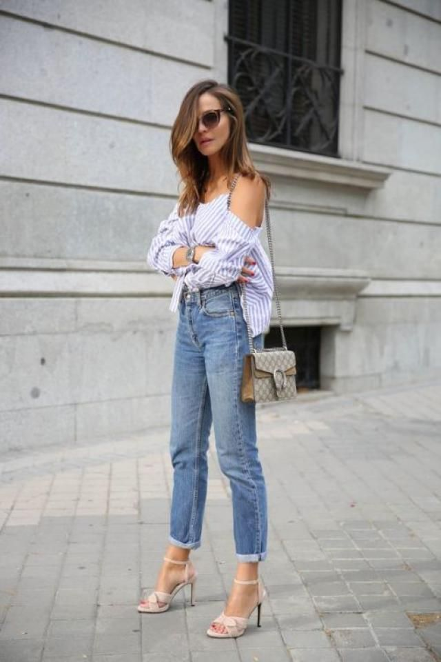 Plain cute ol' blue denim jeans with girly blue stripe over-shoulder top.