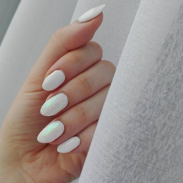 I will start my December with white nails!