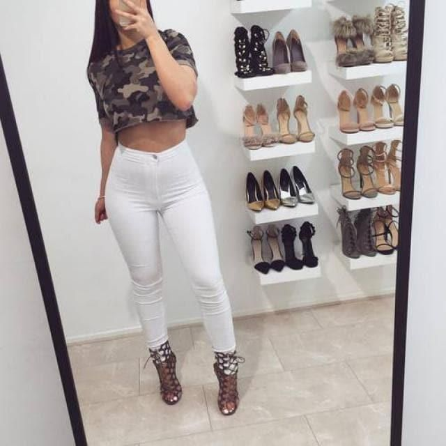 Camo and white jeans. Perfect match.