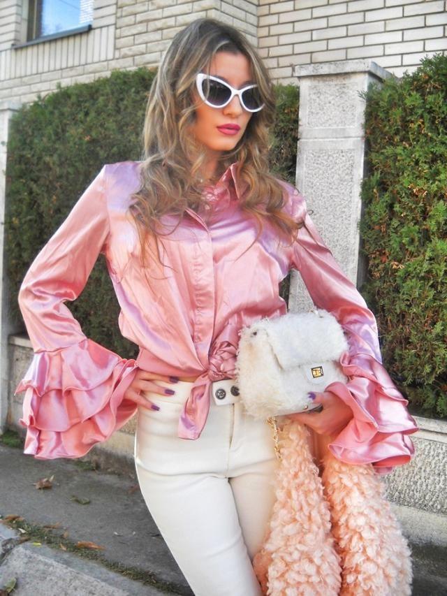Pink!  IG: tijamomcilovic My post http://itsmetijana.blogspot.rs/2017/12/ruffle-sleeve-shirt.html