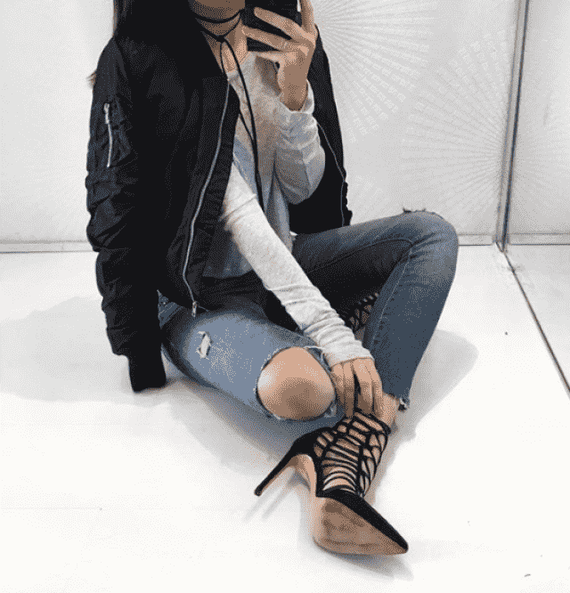 I love this outfit it's so comfy and my favorite is the bomber acket , GORGEOUS what do you think about it?