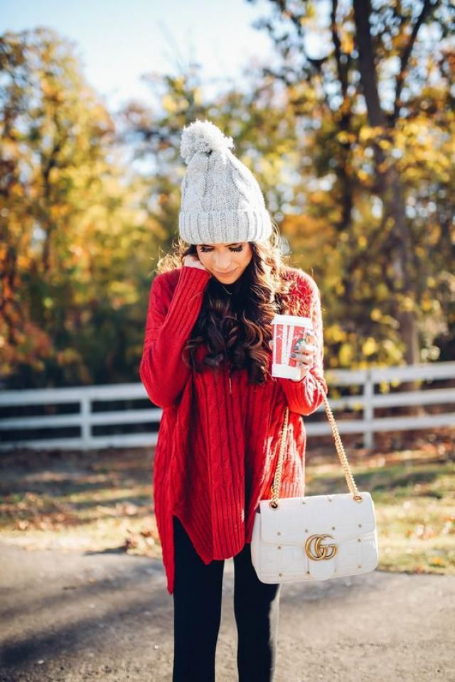Let's get some awesome inspiration with this Pretty Winter Outfit to Try this Year. So perfectly comfy and cozy!      …