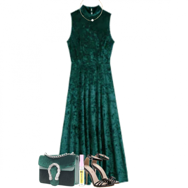Chic and trendy long dress - perfect for christmas