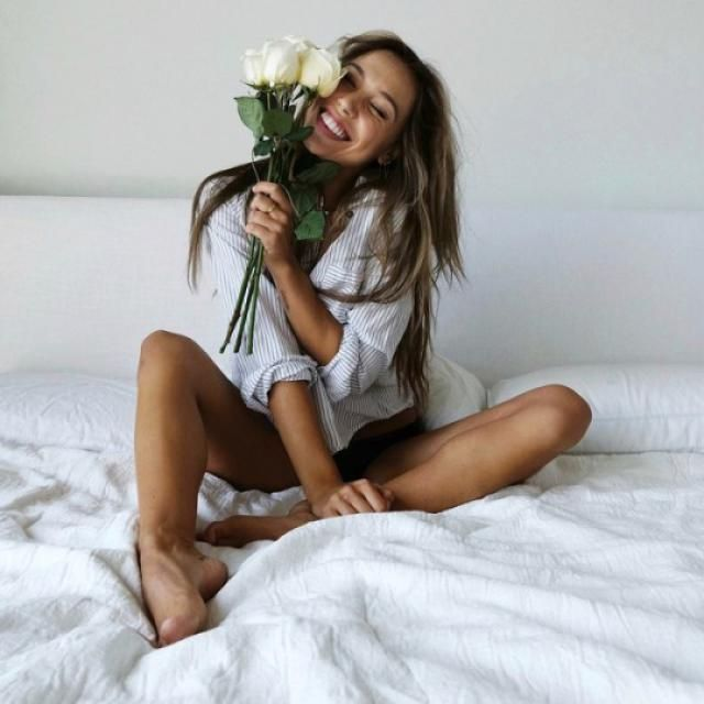 Alexis Ren is cute, yas or nah?