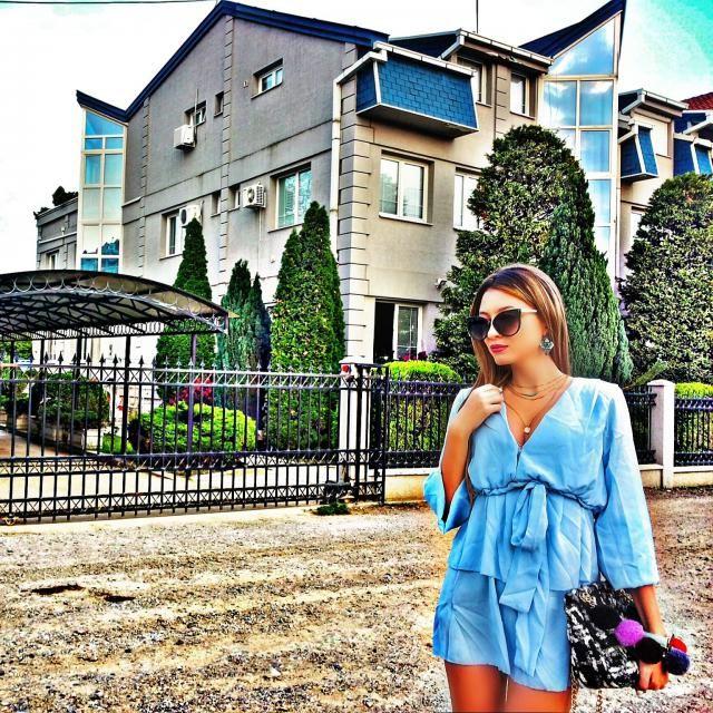 Love this  dress and blue color :) IG: tijamomcilovic