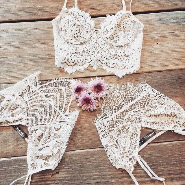 Cute lace camis.