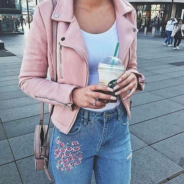 Look how beautiful this pink jacket is goes well with this floral jeans <3 do you like it?