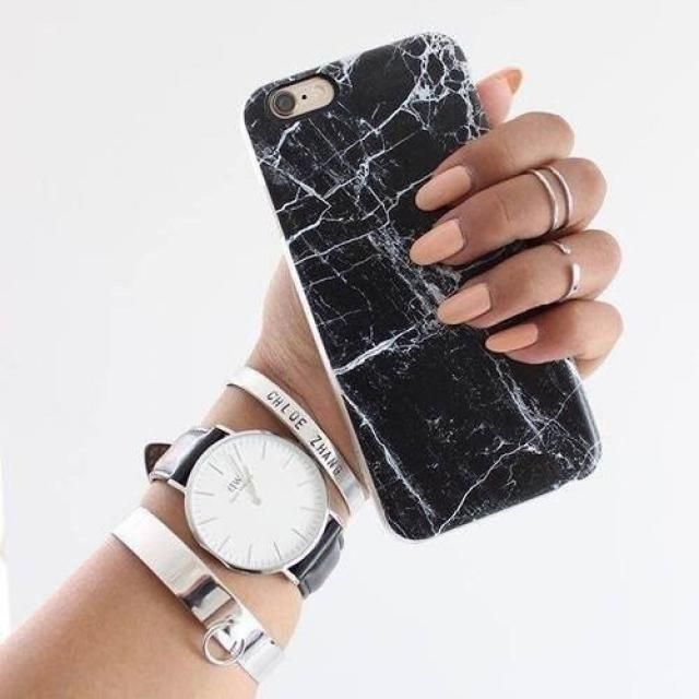 I love marble print, that's why I love this iPhone case, it's beautiful and it only costs $6!