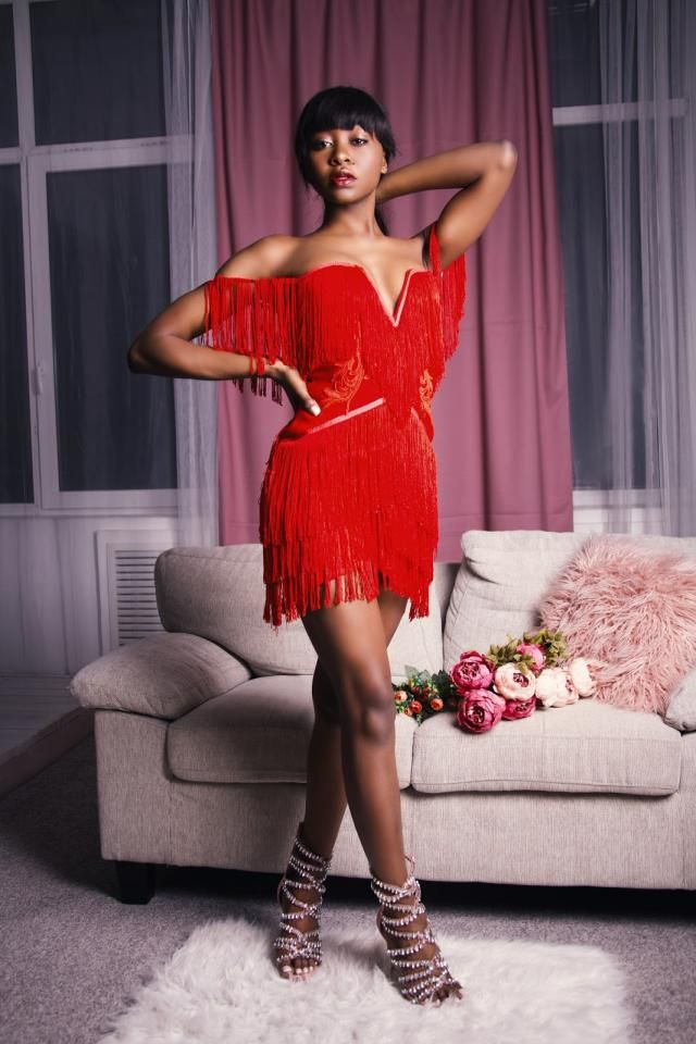 hoosing the perfect outfits for valentine is a tricky job. Here is a sexy Fringed Strapless Bandage Dress from Zaful w…