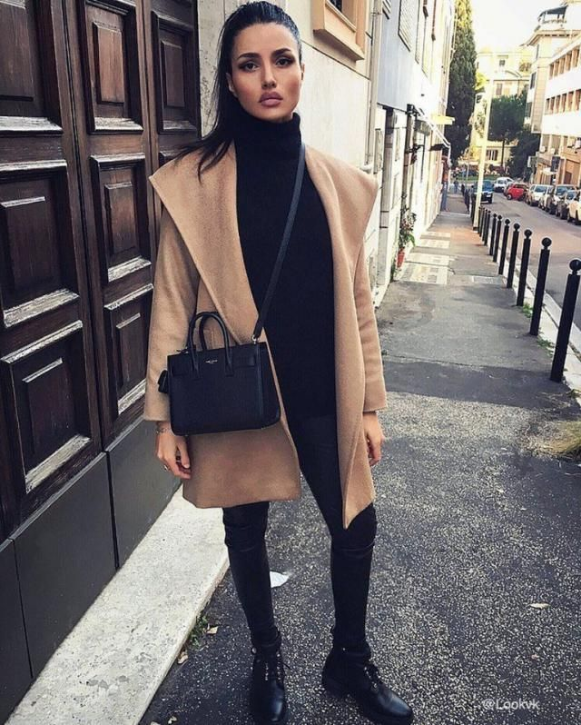 All black outfit combined with a khaki trench coat is a simple but chic look    #