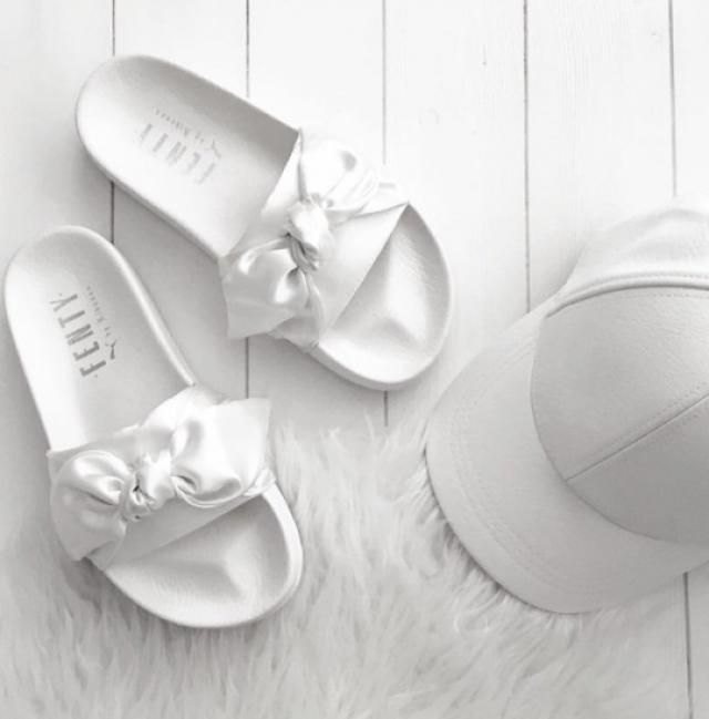 In love with minimalist colors, especially white, and this hat is so perfect too!!♥♥
