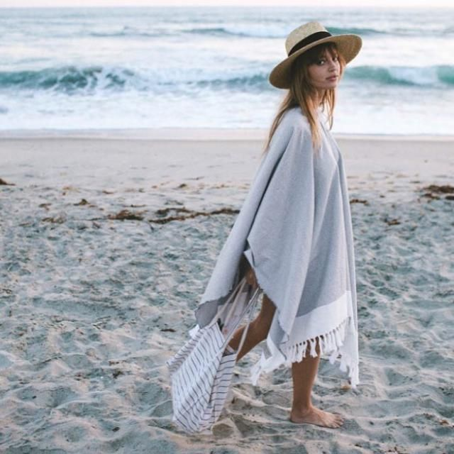 Kimono or cardigan? Either way, too beautiful         Brim