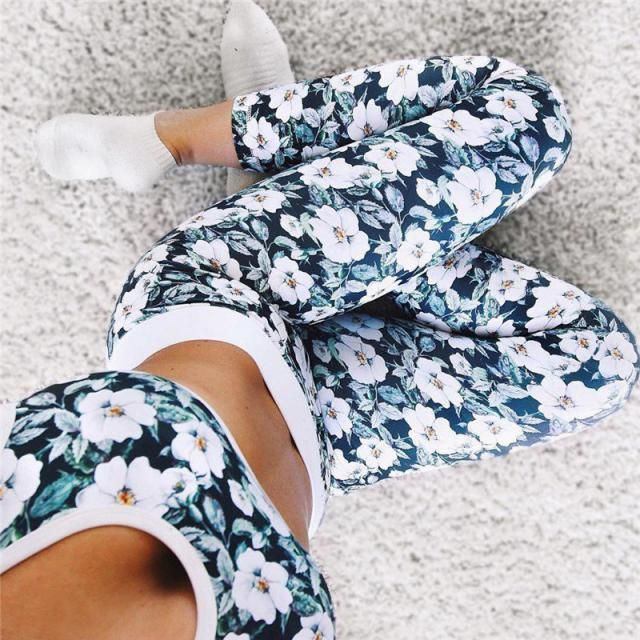 These gorgeous floral leggings are perfect for the gym, dance, yoga class or for running!