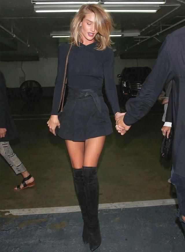 Are you a fan of overknee boots? I am in love.