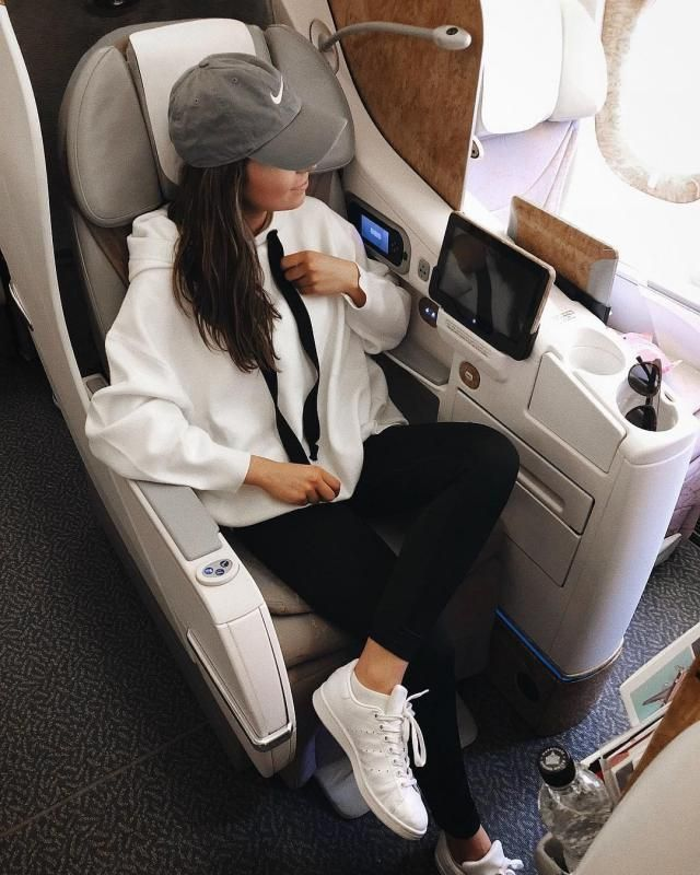 This is the perfect outfit for traveling if you like to be more comfortable