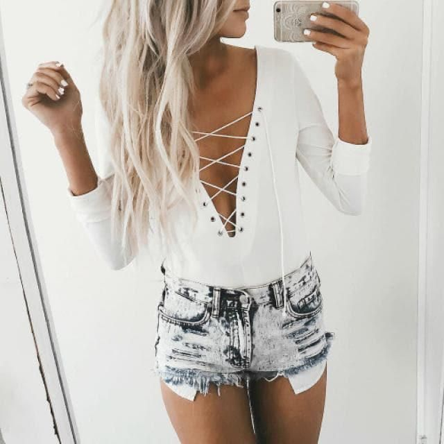 What a perfect outfit!!! this white lace up bodysuit and this beautiful denim short make the perfect match for this spr…