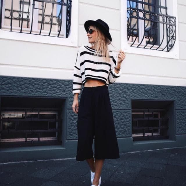Do you like this whole outfit?? guess what? YOU CAN GET ALL THIS OUTFIT HERE IN ZAFUL!! black and white sweater+ black …
