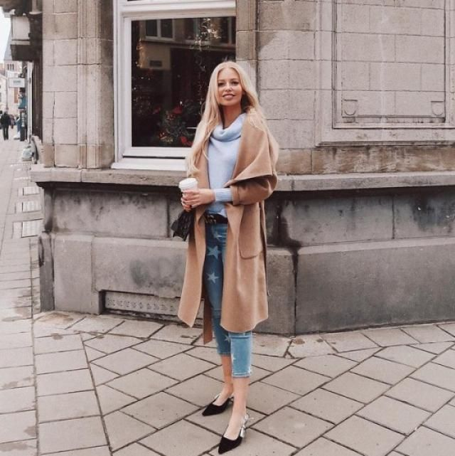 OMG! a Khaki coat is perfect for everyone!! makes your body look more stylized and highlights your skin color and you c…