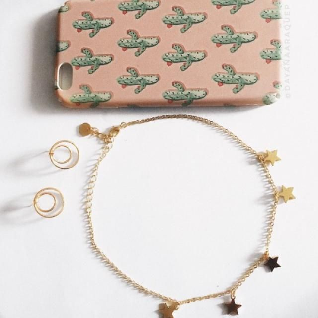 THANKS ZAFUL FOR MY NEW ITEMS!!! I bought these 3 beautiful things (necklace, earrings, Iphone case) for less than $10!…