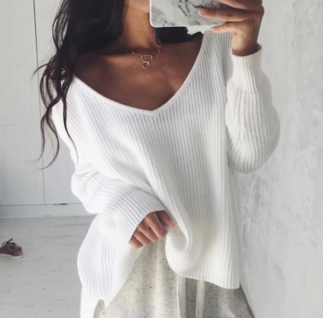 In love with this beautiful cozy white sweater! I love sweaters, they are my little obsession! they can be used at any …