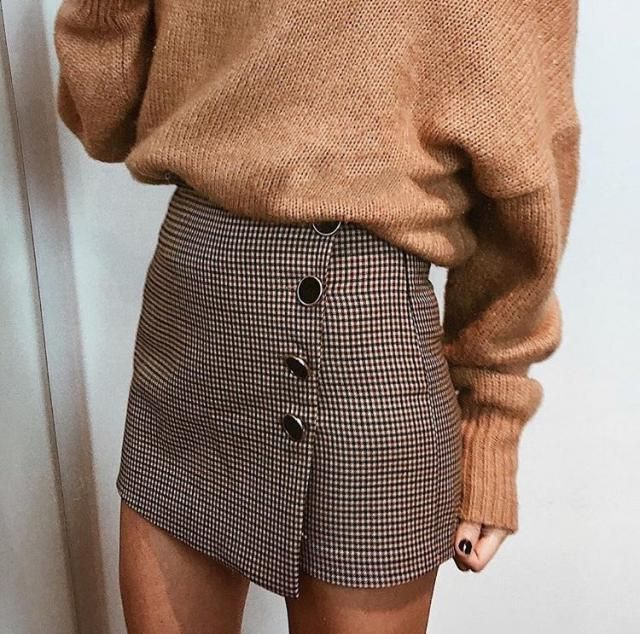 Plaid skirts are so pretty and make any outfit look classy