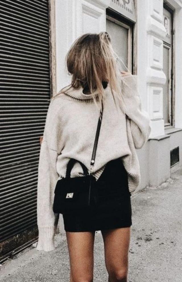 Mini skirt!! #