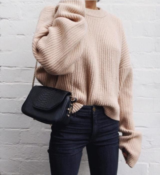 YAASS! This sweater cannot be more beautiful!!!! I love it!! The color is perfect and is very elegant❤️