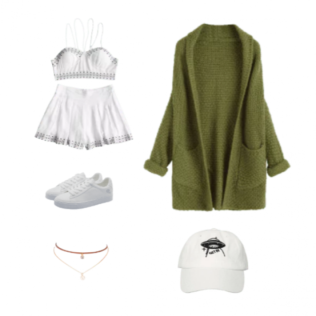 Summer is just around the corner and with summer, comes late night parties. A cute outfit that is just perfect for thos…