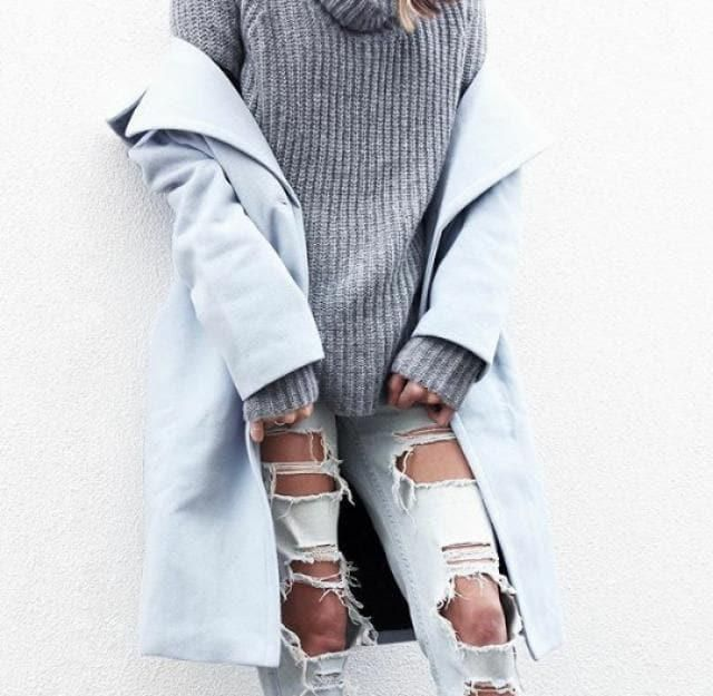 Get this beautiful winter outfit here in ZAFUL!! A blue coat and a grey sweater!! the colours are a perfect match!♥    …