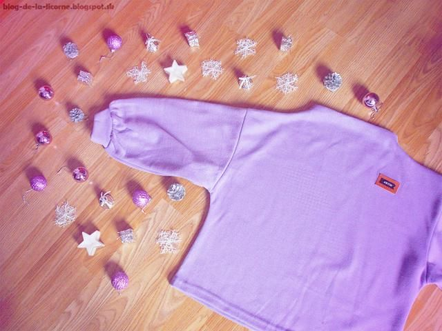 It looks so bright and I just love its lantern sleeves. It´s very comfortable to wear and I like the fact that it´s mor…