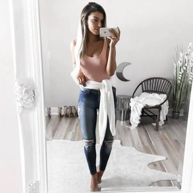 OMG!!! this pink bodysuit it's soooo perfect and beautiful, you can wear it like an swimsuit or bodysuit, that's the be…