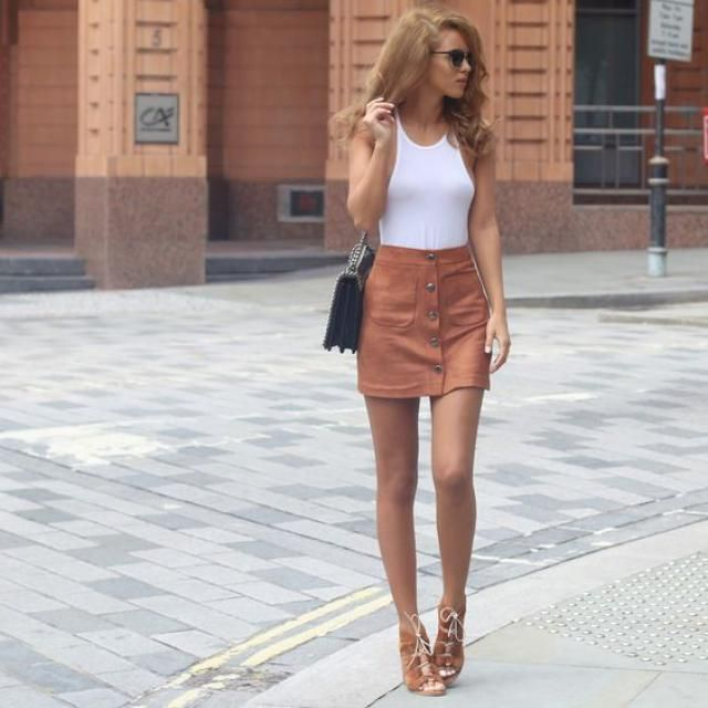 Brown mini skirt!!