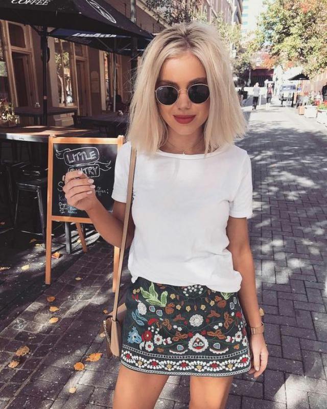 Shop mini skirt!!