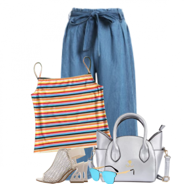 Beautiful summerstyle with a striped top and a matching jeans