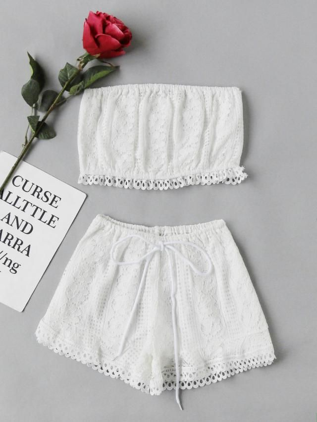 Two pieces outfit in white colors