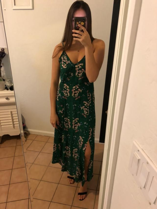 Looove this dress <BR>Cute and good length