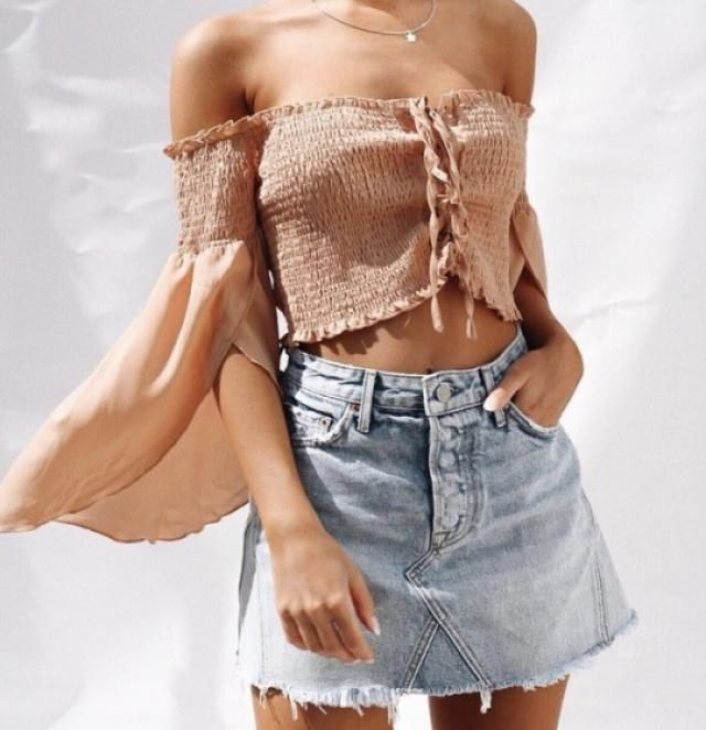 Denim skirts are my new obsession, you can always wear it with any top you want!!♥♥♥