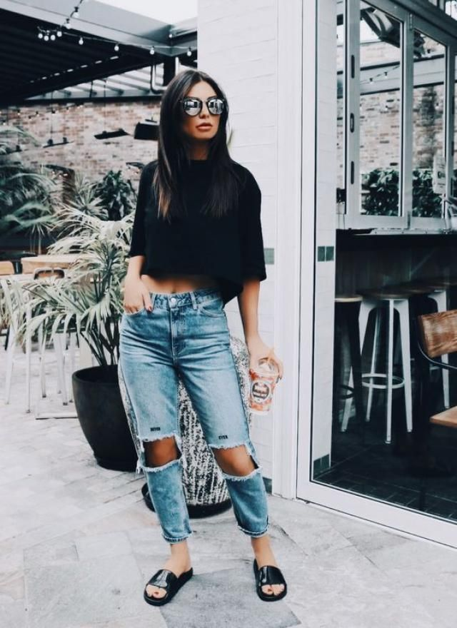 oversized T Shirt and ripped Jeans: OOTD