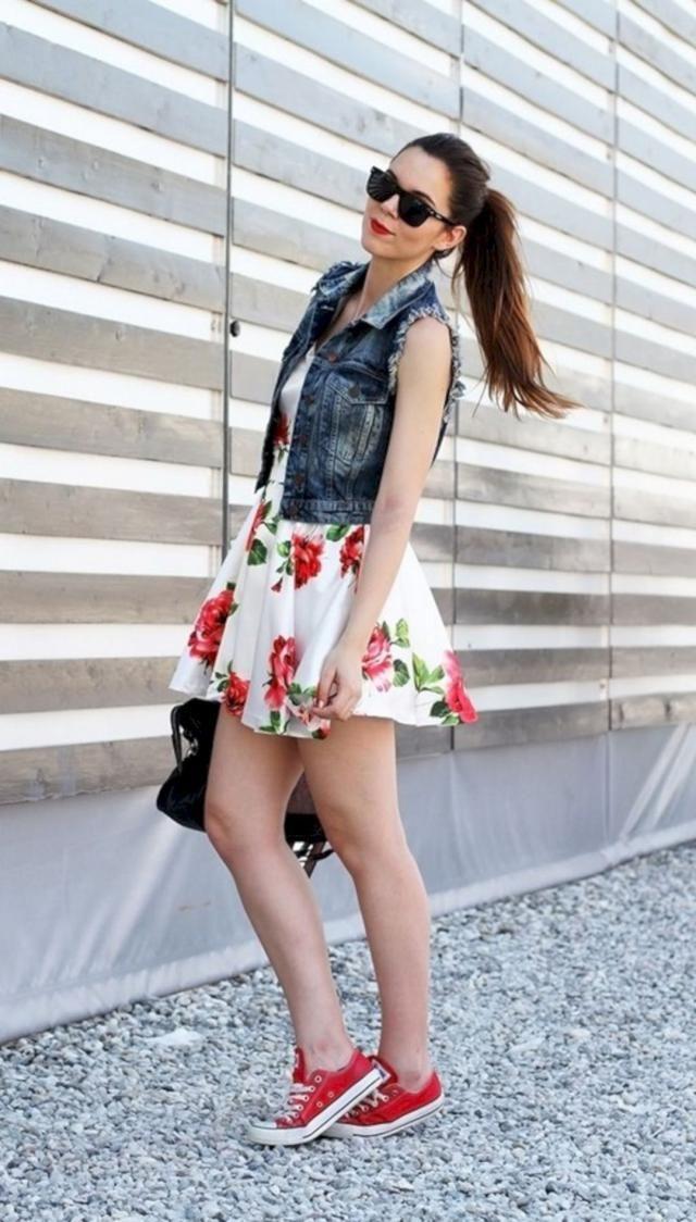 Crop Top And Floral Print Mini Skirt