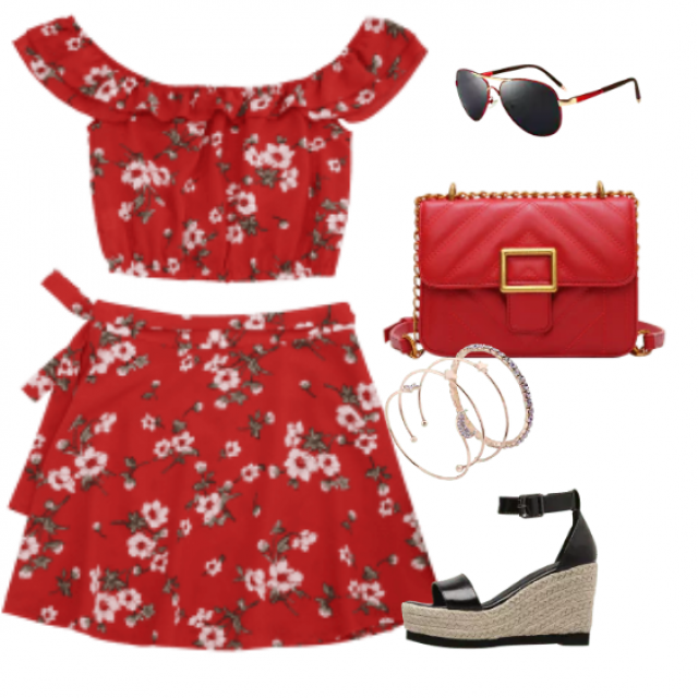 Two piece set combined with comfortable sandals perfect for summer days