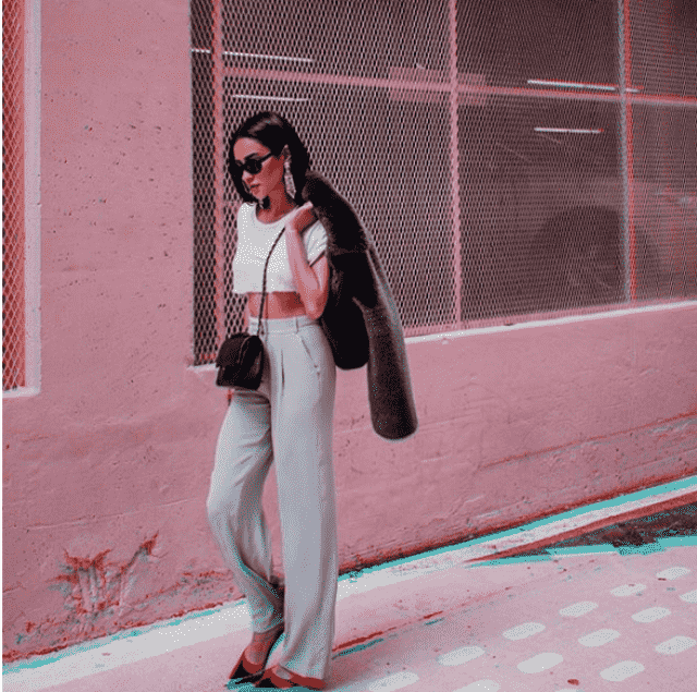 Shay Mitchell wears pants that are so trendy and comfortable I want to buy the same or similar in Zafull             …