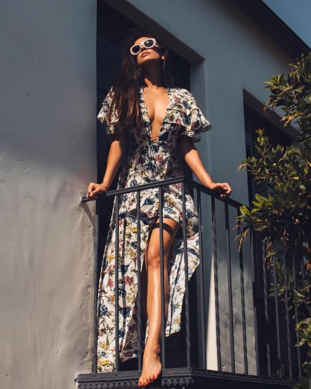 Beautiful long dress on flowers ... summer, summer ... enjoyment