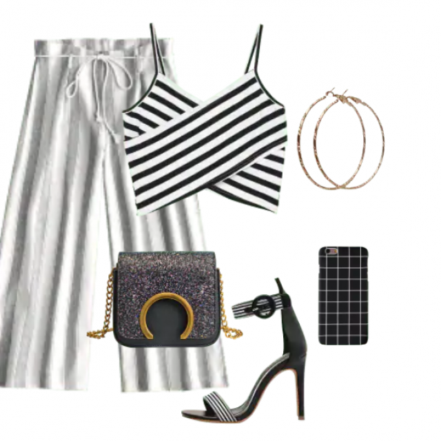 White pants and striped top It is a perfect choice to style