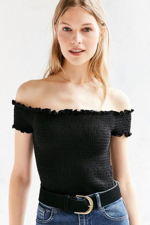 The shoulder top!!    zaful