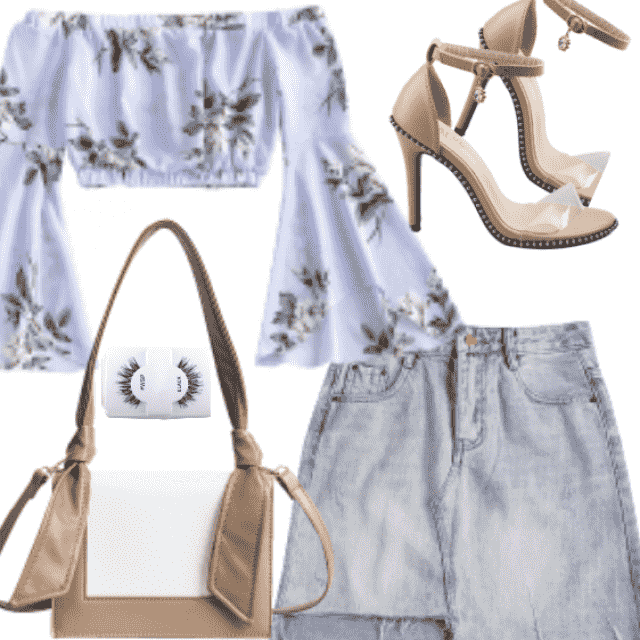 Look sweet and pretty in this floral top. This top features an elastic off-the-shoulder collarline and a cropped bodice…