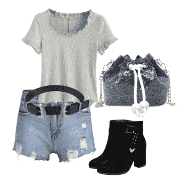 Trendy style...denim shorts and T-shirt for  go out