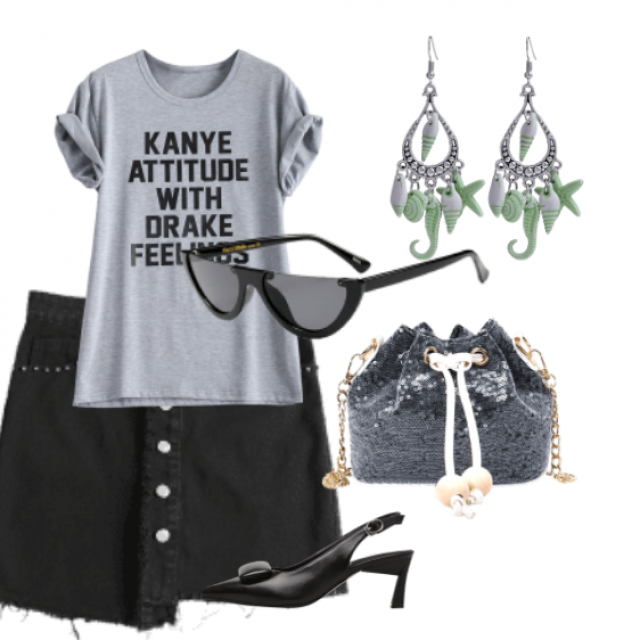 Fashion skirt and gray t-shirt perfect for daily,going out