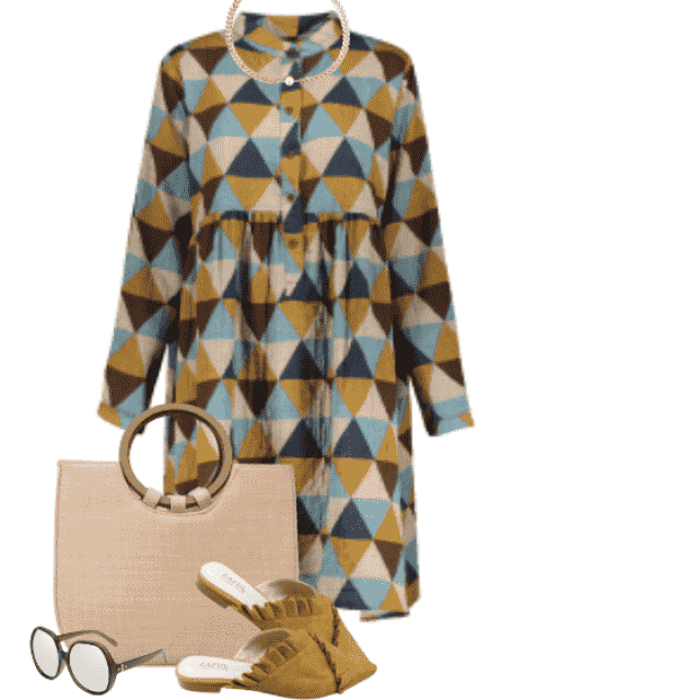 Beautiful and trendy dress here in combo with a golden necklace
