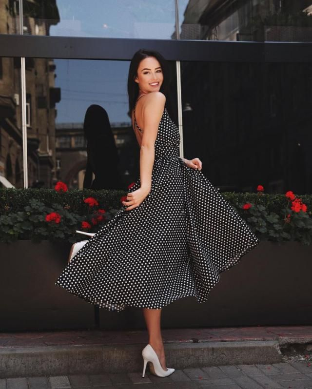 Polked dot dress with a cute shoes is a simple but chic look