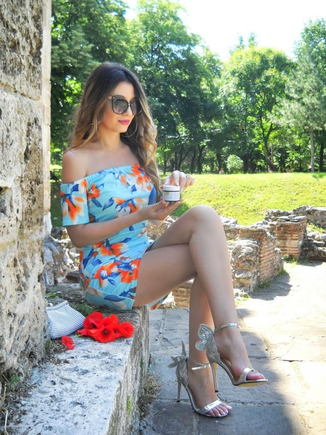 What an amazing  dress and heels :) What do you think? My blog http://itsmetijana.blogspot.com/